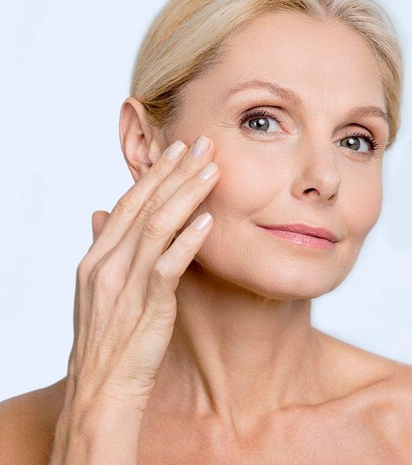 Trattamento di medicina estetica per il viso